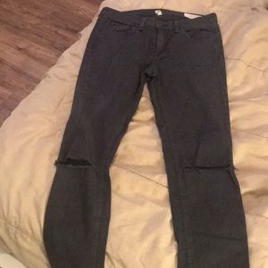 Rag and Bone Gray distressed skinny jeans size 28